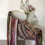 Hide away, 2018 (Schuttelaar), Öl auf Leinwand, Textilfäden, Holzskelett, 90x90 cm